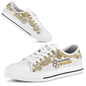 JUST A GIRL WHO LOVES SNAKES - SNAKES LOW TOP@ zolagifts lovesnakes@low-top 197674