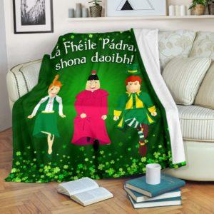 Irish dance - Lá Fhéile Pádraig shona daoibh@_animallovepro_irisdao30948@premium-blanket Irish Dance - Lá Fhéile Pádraig Shona Daoibh Fleece Blanket, Personalized Gifts, Custom Blanket 595631