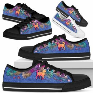 LTS-W-Dog-ColorfulFeather-Husky-16@ Colorful Feather Husky 16-Husky Dog Lovers Low Top Shoes Gift Women Men. Colorful Feather Custom Shoes.