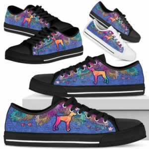 LTS-W-Dog-ColorfulFeather-Weimaraner-23@ Colorful Feather Weimaraner 23-Weimaraner Dog Lovers Low Top Shoes Gift Women Men. Colorful Feather Custom Shoes.